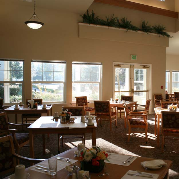 Residents dining room at Bonaventure - Woodland