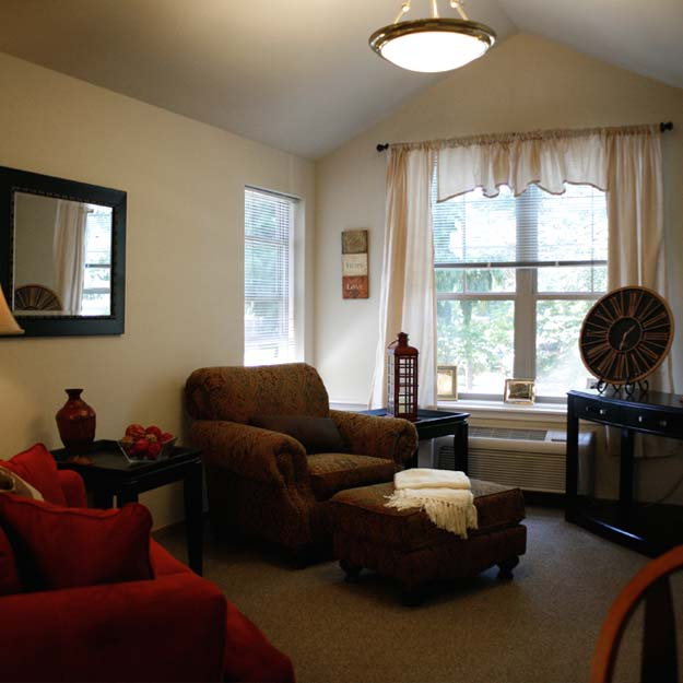 Senior Living - Living Room Oswego Place