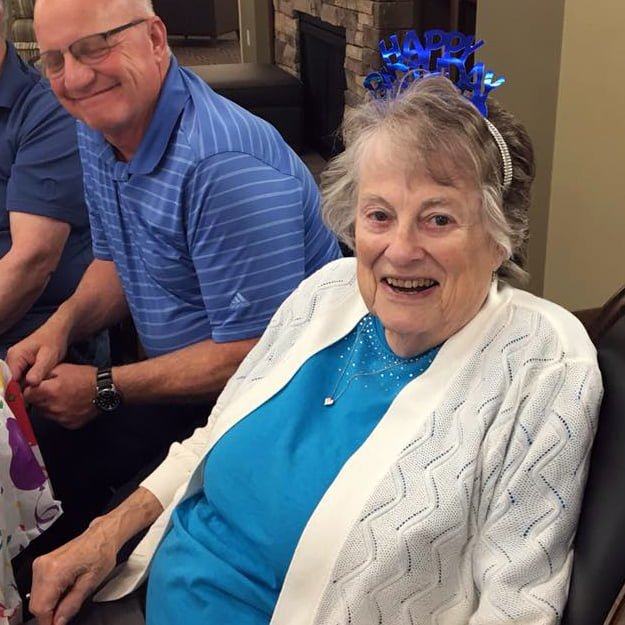 Senior Living lady residents birthday at Bonaventure of Keizer Station