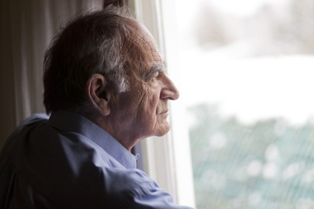 Seniors living alone should consider senior living communities for a better retirement